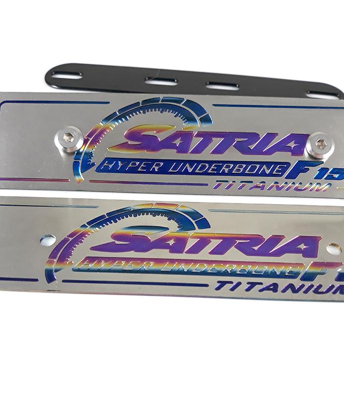 Bộ Bảng Tên Satria Titan Kèm Ốc Inox Thái MS1345