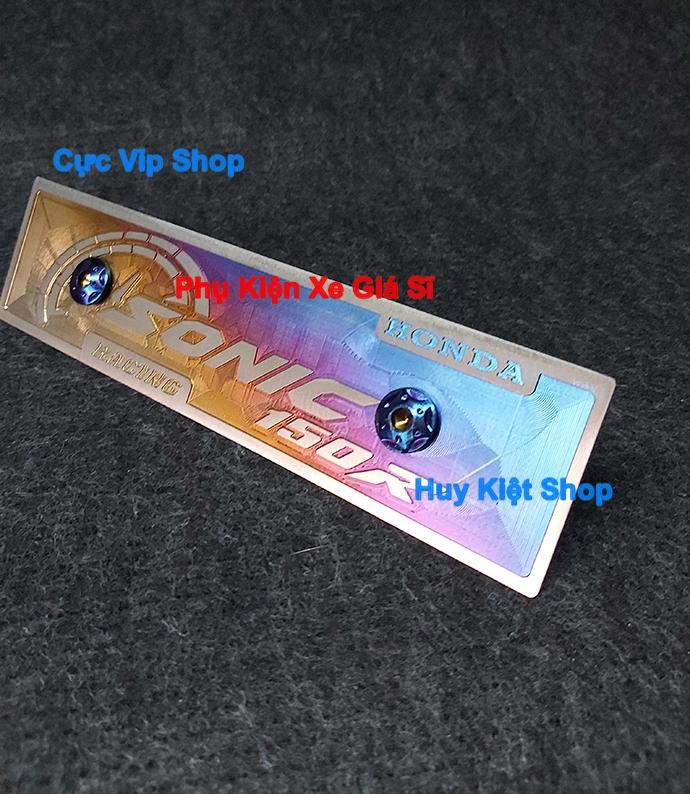 Bảng Tên Sonic Titan 3D (Tặng Kèm 2 Ốc Xi Titan, Vàng) MS2453
