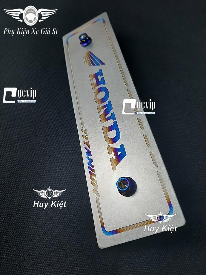 Bảng Tên Honda Titan (Mẫu Titan Khò) Kèm 2 Ốc Vương Miện MS3706